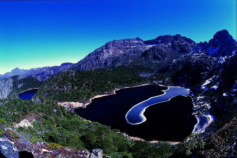 灵山太极湖(高山海子)