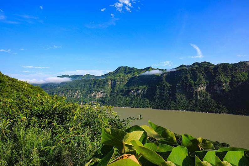 云南昭通西部大峡谷风景1