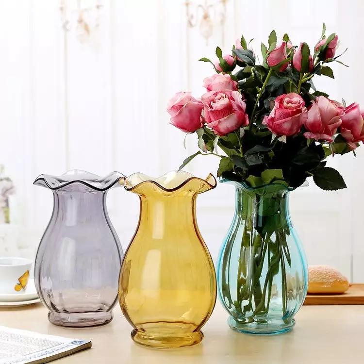 荷叶边彩色玻璃花瓶.webp