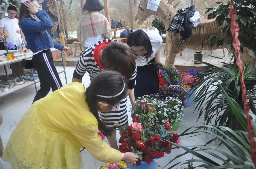 观摩、学习插花花艺1.webp